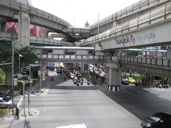 022 thailande improbable jpg